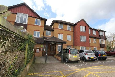 2 bedroom retirement property for sale - Pembroke Lodge , Du Cros Drive, Stanmore, Greater London. HA7 4SY
