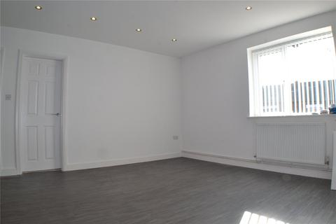 3 bedroom apartment to rent - Middleton Road, Chadderton, Oldham, Greater Manchester, OL9