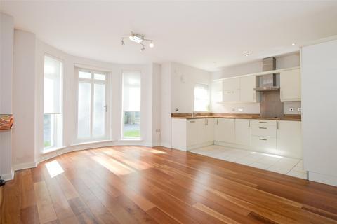 2 bedroom flat to rent - Sandringham House, 501 Harrogate Road, Leeds, West Yorkshire, LS17