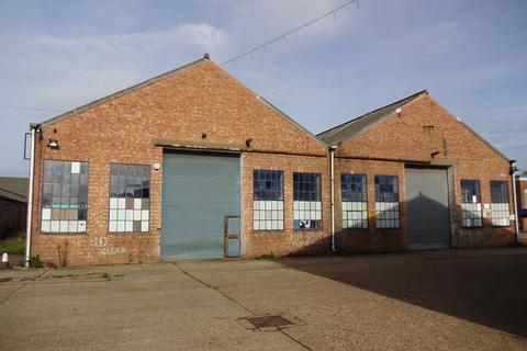 Industrial unit to rent - Unit 10, Avian Way, Salhouse Road, Norwich, Norfolk