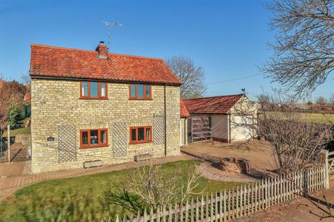 3 bedroom cottage for sale - Newton Way, Woolsthorpe By Colsterworth, Grantham