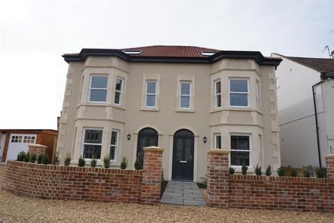 4 bedroom semi-detached house for sale - Westbourne Court, Trowbridge