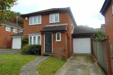 3 bedroom detached house to rent - Kingfisher Close , Sevington