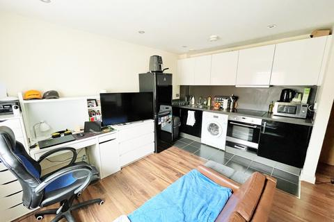 Studio to rent - Heron House, Kennet Island