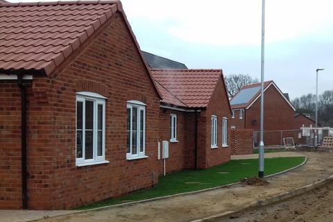 2 bedroom semi-detached bungalow for sale - Grace Farrant Road, Great Cornard