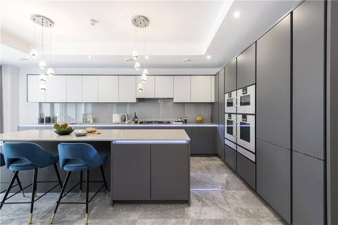 7 bedroom house for sale - West Heath Road, London, NW3