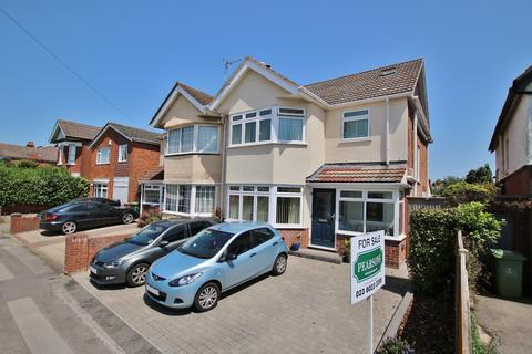 4 bedroom semi-detached house for sale - Upper Shirley, Southampton