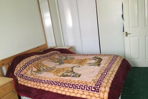 4 bedroom house share to rent - Ensuite Double Room to Rent in Mitcham