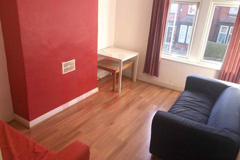4 bedroom flat to rent - Headingley , Leeds LS6