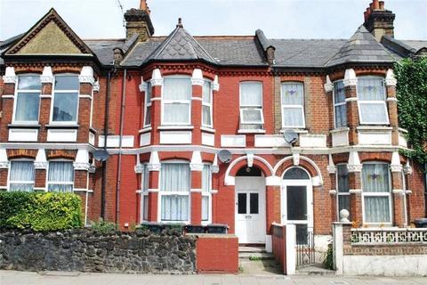 Studio to rent - Philip Lane, Tottenham, London, N15