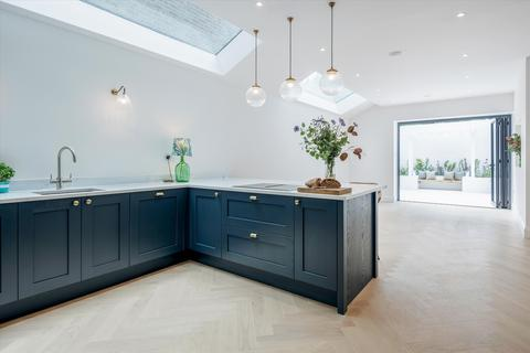 4 bedroom terraced house for sale - Tennyson Road, Queen's Park, London, NW6