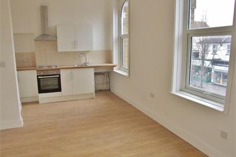 Studio to rent - Selhurst Road, South Norwood