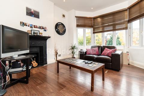 1 bedroom flat - Thrale Road, Furzedown