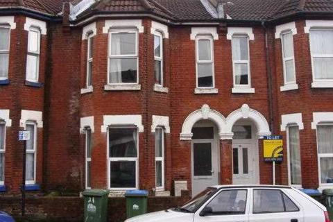 6 bedroom terraced house to rent - Shakespeare Avenue, Southampton
