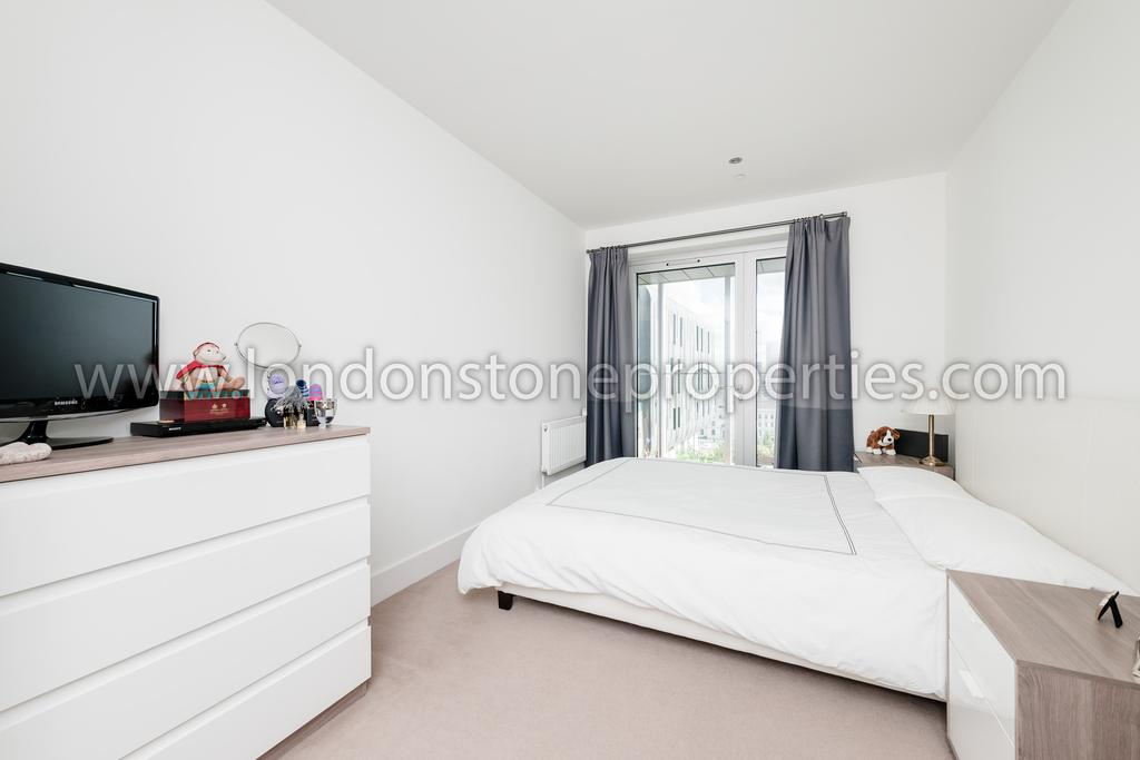 Love lane woolwich se18 2 bed flat for sale 400 000 - 2 master bedroom houses for sale ...