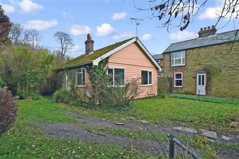 2 bedroom detached bungalow for sale - School Lane, Bekesbourne, Canterbury, Kent