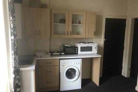 1 bedroom flat to rent - lord street, halifax HX1
