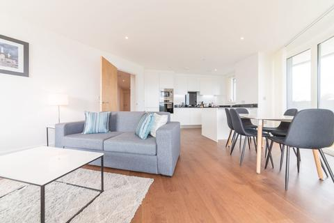 3 bedroom apartment to rent - Gateway Tower, 28 Western Gateway, Royal Victoria, London, E16