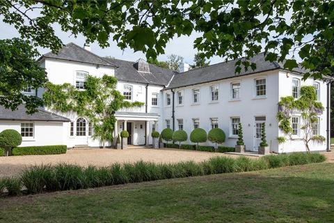 6 bedroom detached house for sale - Moor House, Rushmoor, Farnham, Surrey, GU10