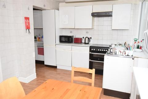 5 bedroom terraced house to rent - Burgess Road, Southampton, SO16 3BL