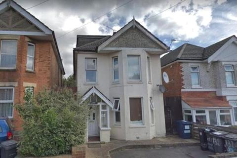 Hmo Property Maxwell Road Bournemouth 6 Bed Detached