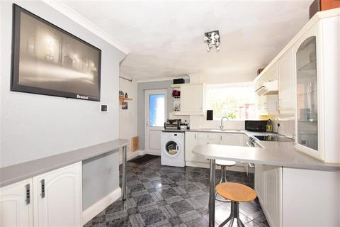 3 bedroom semi-detached house for sale - Albatross Avenue, Strood, Rochester, Kent