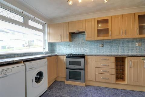 3 bedroom semi-detached house to rent - Oakway
