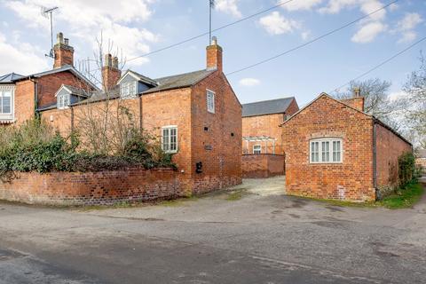 2 bedroom semi-detached house for sale - Swingbridge Street, Foxton, Market Harborough, Leicestershire