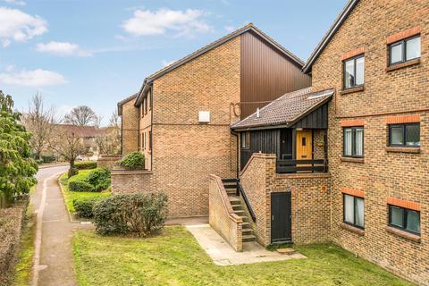 Studio for sale - Whitecroft, Horley, Surrey, RH6