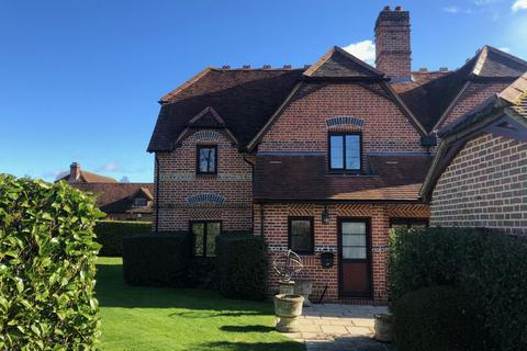 2 bedroom semi-detached house to rent - Harleyford Estate, MARLOW