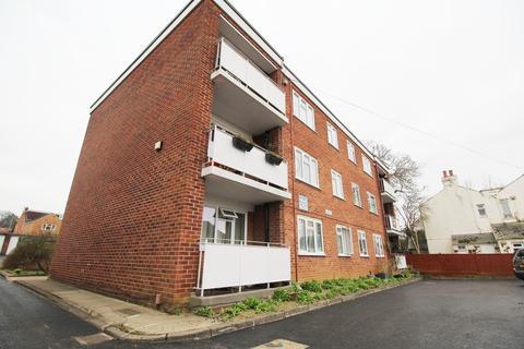 2 bedroom apartment to rent - Haywards Road, Charlton Kings, Cheltenham, GL52 6RQ