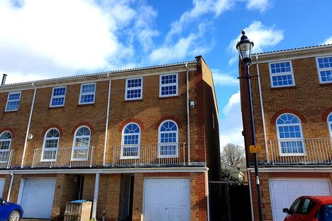 4 bedroom townhouse to rent - Court Royal Mews, Southampton