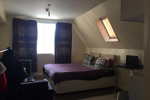 Studio to rent - City Centre Newcastle