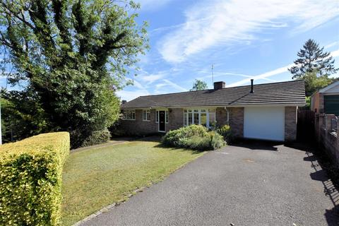 4 bedroom detached bungalow for sale - Oak Tree Road, Tilehurst, Reading