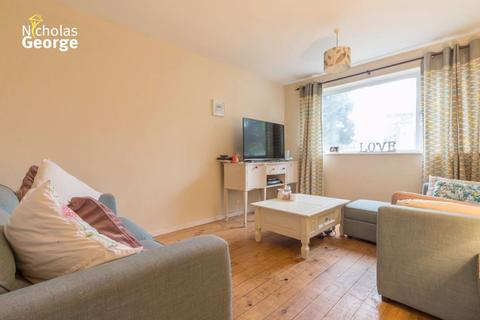 2 bedroom flat to rent - Blenheim Road, Moseley, B13 9UA