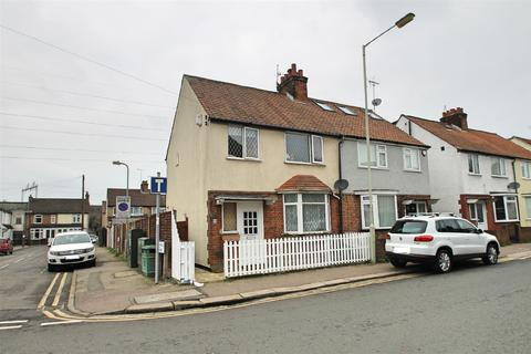 3 bedroom semi-detached house for sale - Greatham Road, Bushey