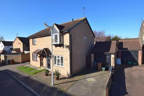 3 bedroom semi-detached house for sale - Burton Place, Chelmsford, CM2 6TY