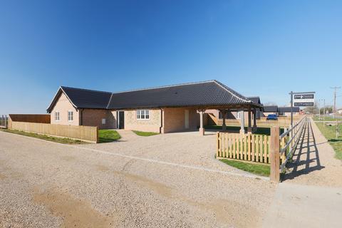 4 bedroom detached bungalow for sale - Ashill