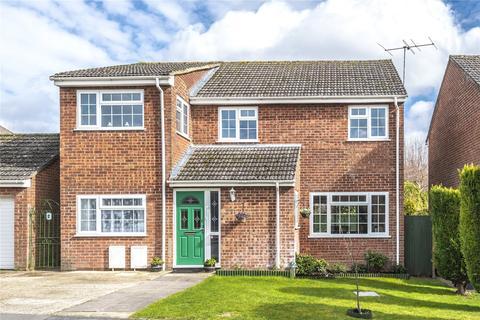 5 bedroom detached house for sale - Carbonel Close, Basingstoke, Hampshire, RG23