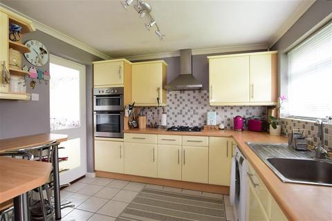 3 bedroom detached bungalow for sale - Fairlie Gardens, Brighton, East Sussex