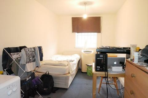 Studio to rent - Stroud Green Road, Finsbury Park, N4