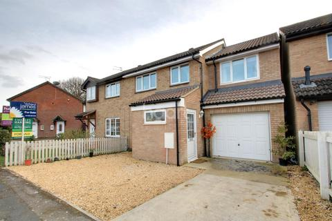 4 bedroom semi-detached house for sale - Lapwing Close, Covingham, Swindon