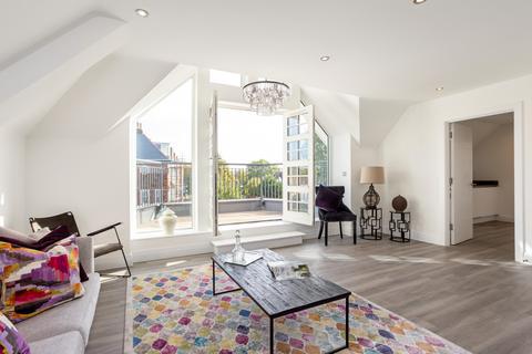 2 bedroom penthouse for sale - Plot 12, Balgores Lane, Gidea Park, Essex RM2
