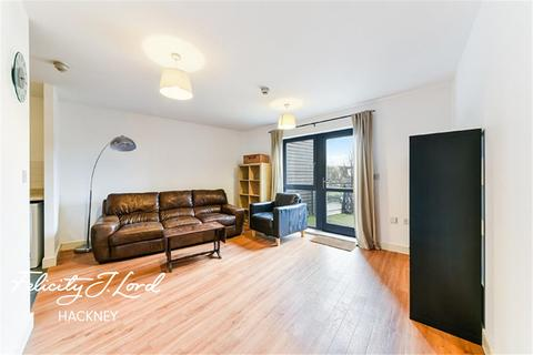 3 bedroom flat to rent - Waterfront House E5