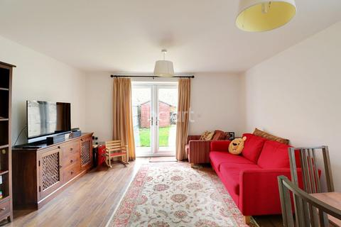 4 bedroom end of terrace house for sale - Yeoman Drive, Cambridge