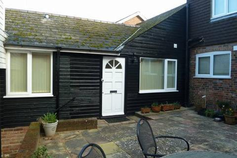 2 bedroom bungalow for sale - , Coombe Lane, Tenterden, Kent, TN30 6HD