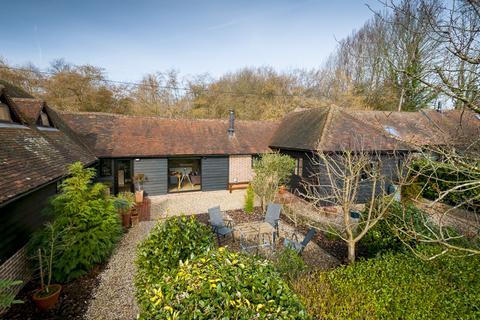 3 bedroom barn conversion for sale - Egerton, Kent