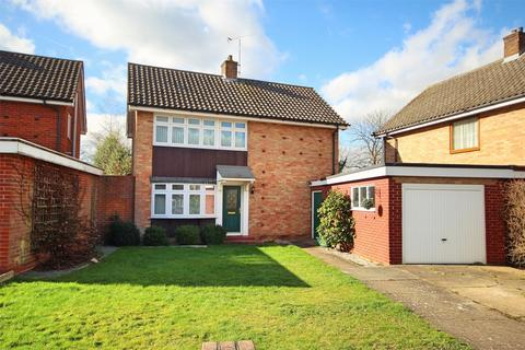3 bedroom detached house for sale - Oldbury Avenue, CHELMSFORD, Essex