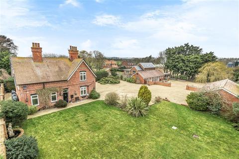 6 bedroom detached house for sale - Langton Road, Sausthorpe, PE23 4JN