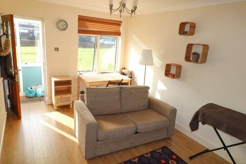 1 bedroom flat to rent - Rhiwddar House, Taffs Well